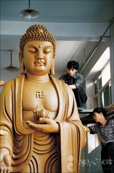 韩美林先生 立佛 雕塑